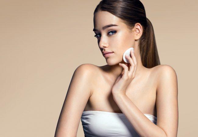Come prendersi cura della grassa, pelle mista e l'acne?